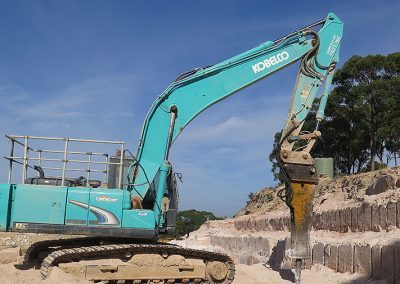 Excavator with Hammer drill
