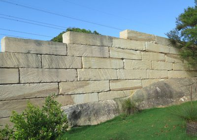 Sandstone Log freestanding fence wall