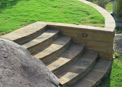 Sawn flagging steps