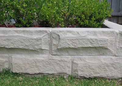 Hydrasplit Garden Wall
